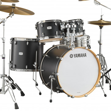 "YAMAHA TOUR CUSTOM 22""/4FUTS LICORICE SATIN"